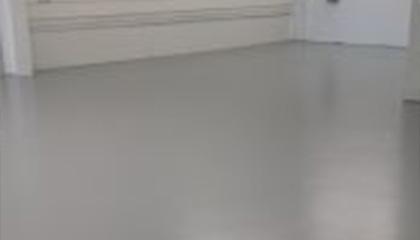 Bisousweet Bakery restaurant flooring